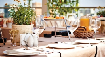 Pricing strategies and dynamics in the restaurant industry