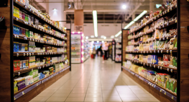 Blurred view of a supermarket